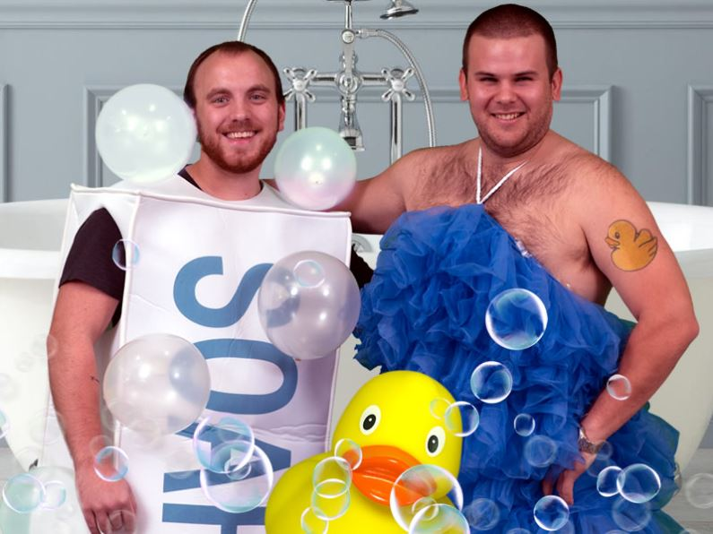 PJ and Baker As Soap And Loofah